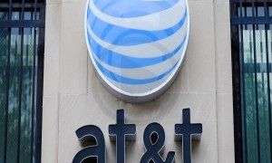 AT&T Increases Their Activation Fee, Copies Verizon For Supporting Costs