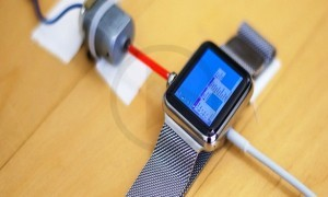 Developer Hacks iWatch To Boot With Windows 95