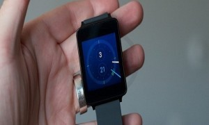 How to Use Android Wear for Apple iWatch?