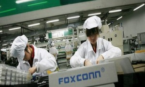 FoxConn Employs Robots, Lays off Half of Their Workforce