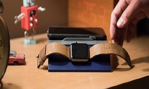 Review on the Apple Watch Charging Dock Called Enveo Chestnut Dock